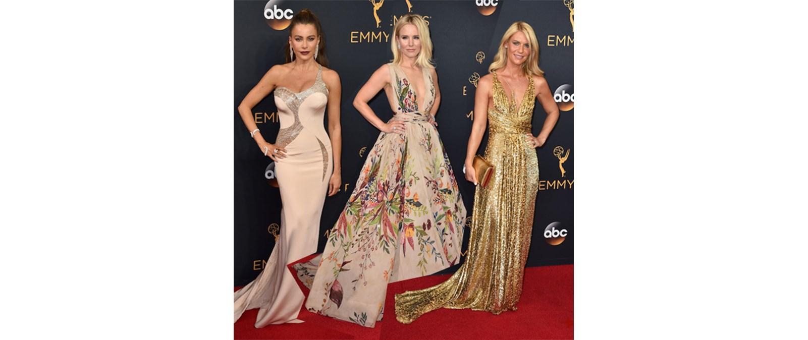 Emmy Awards 2016  Όλοι οι celebrities στο κόκκινο χαλί a0e32de366a