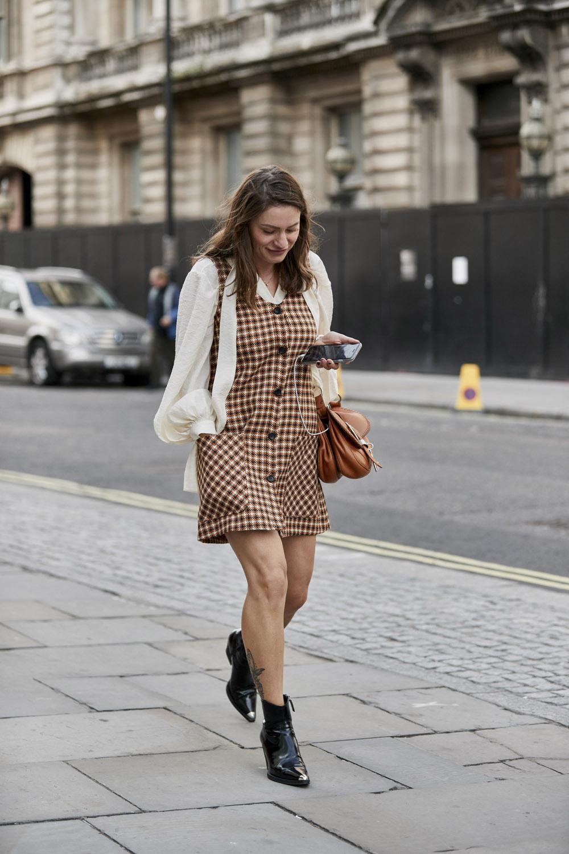 Εβδομάδα Μόδας Λονδίνου: 13 φθινοπωρινά looks που μας ενέπνευσαν