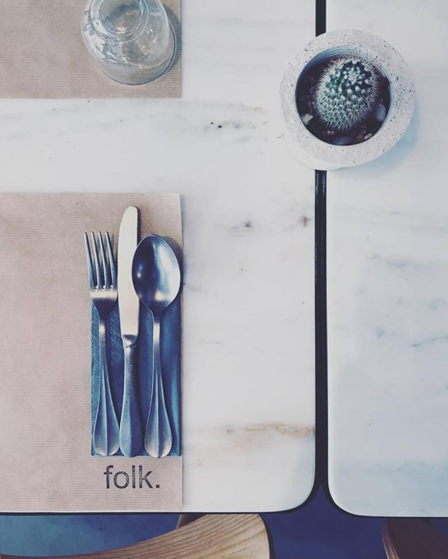Ενώνοντας διαφορετικές φιλοσοφίες και γεύσεις στο Folk.