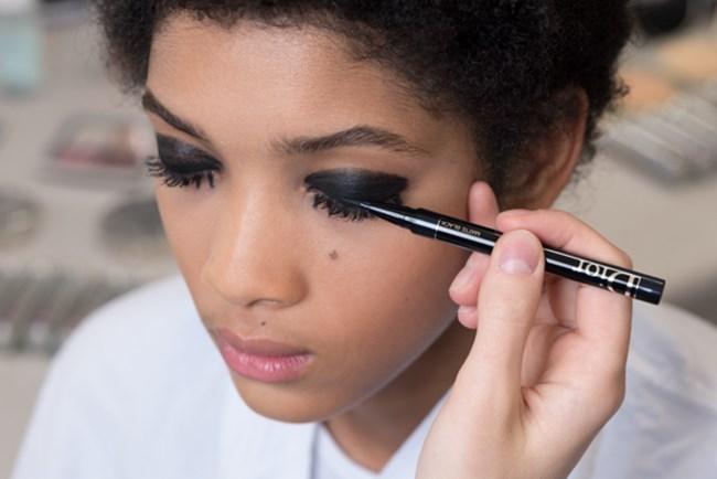 Όλα τα προϊόντα και πώς έγινε το μακιγιάζ στο show Dior