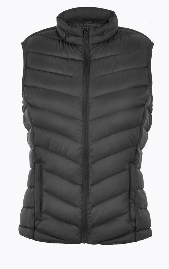 H Katie Holmes με το jacket που χρειάζεσαι φέτος το χειμώνα