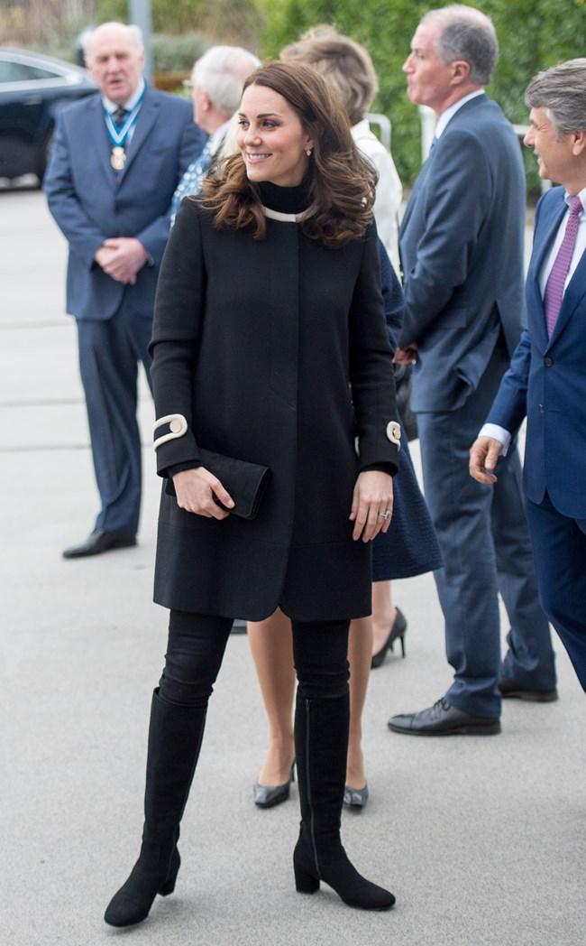 Οι αγαπημένες μπότες της Kate Middleton είναι ξανά cool