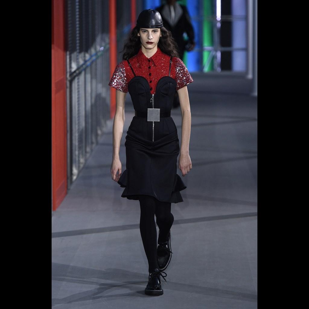 c7c9a740fdf3 Η Εβδομάδα Μόδας στο Παρίσι έκλεισε με το show του Louis Vuitton