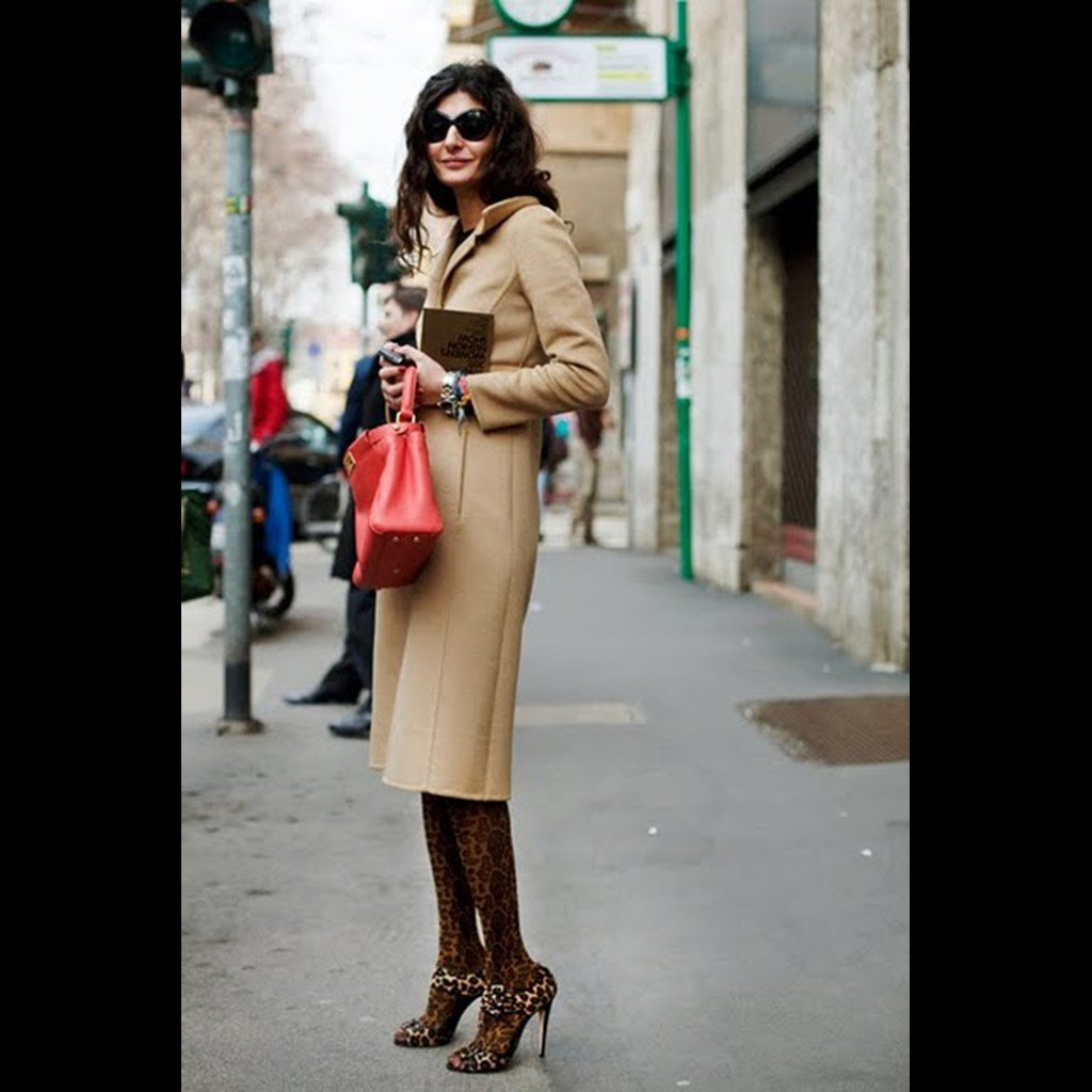 17b8a92f749 Καλσόν & Πέδιλα: Αυτό είναι το απόλυτο fashion combo του χειμώνα!