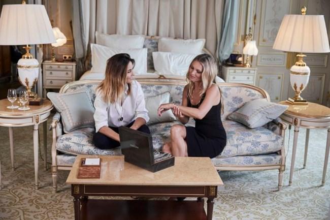 Η Kate Moss σχεδιάζει κοσμήματα