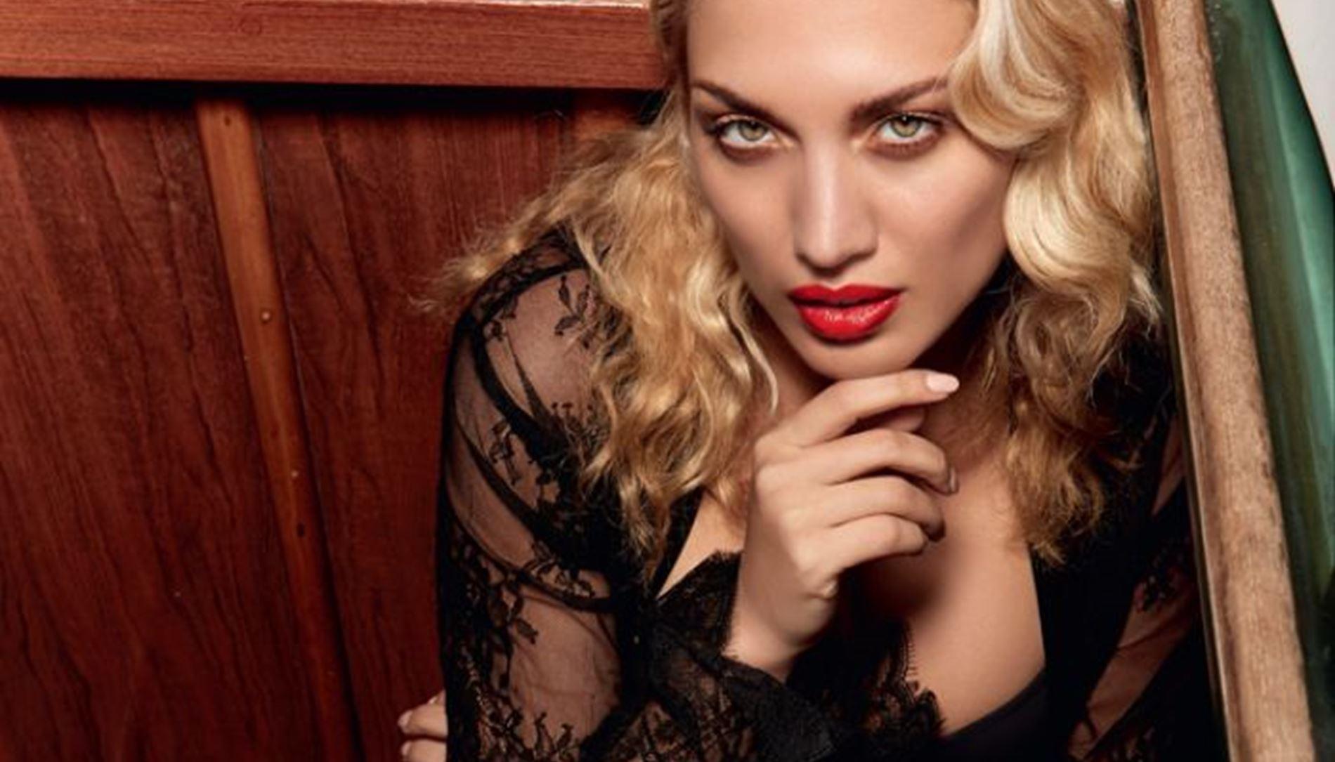 451748298c3 Η Κωνσταντίνα Σπυροπούλου στο Celebrity Απριλίου!