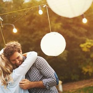 Πόσο καιρό πρέπει ένα ζευγάρι να βγαίνει πριν αρραβωνιαστεί