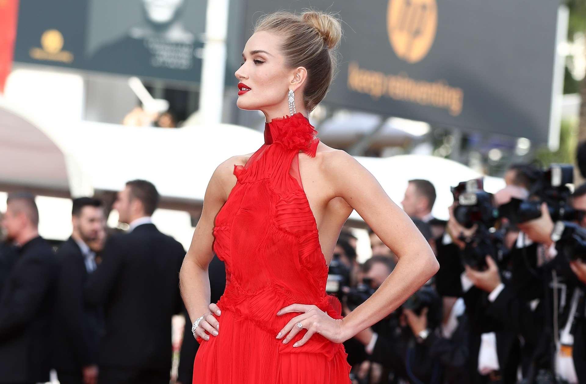 9e29d780e5e Τα ωραιότερα κόκκινα φορέματα που είδαμε στο red carpet