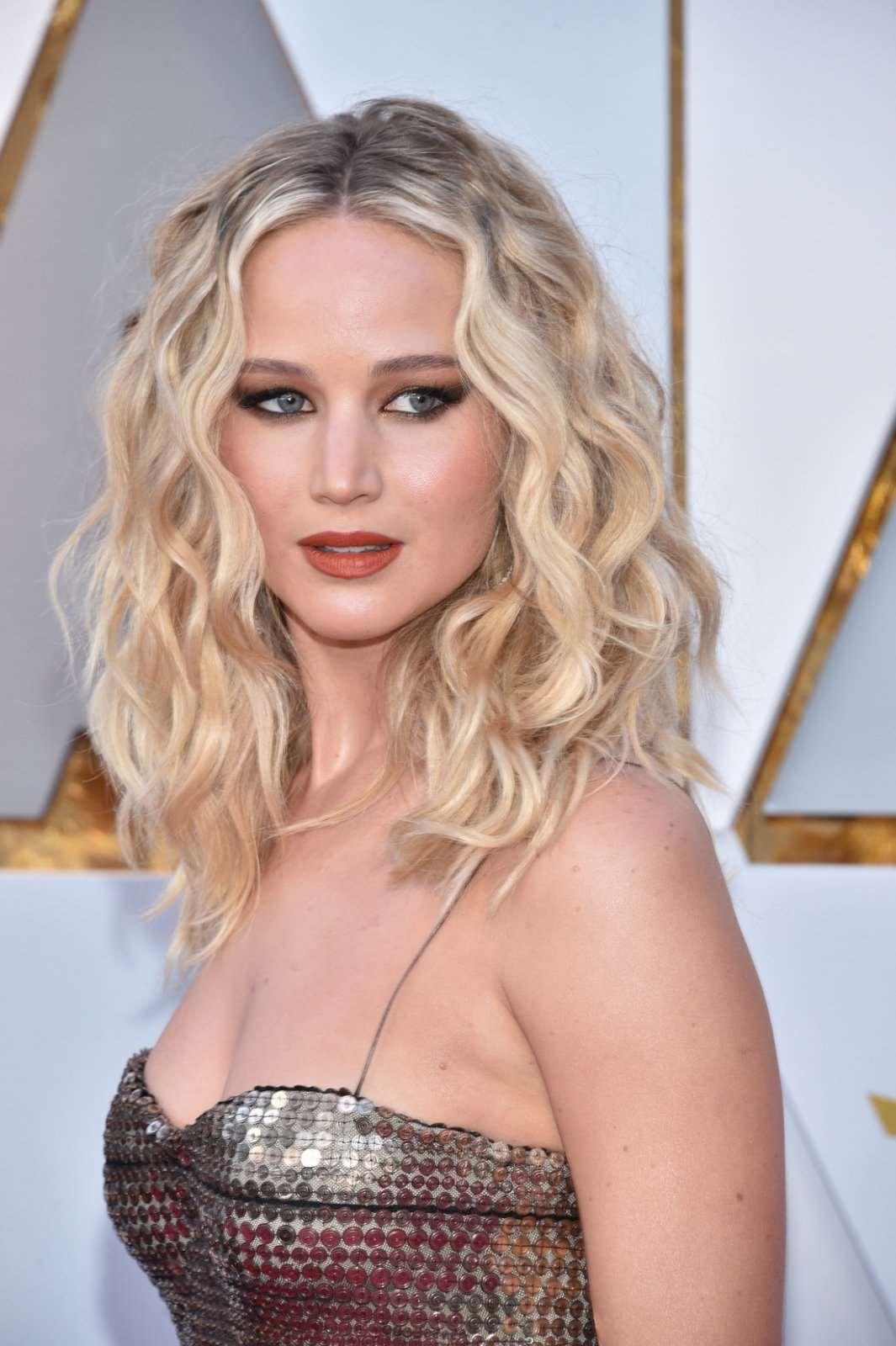 Κι όμως δεν θα πιστέψεις τον λόγο που η Jennifer Lawrence δεν κάνει sex c01c6e8f53c