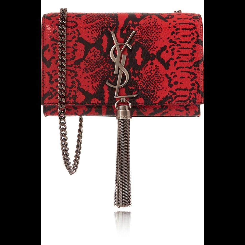 19029e19a7 ... τσάντες που κρατούν οι πιο ισχυρές γυναίκες τις μόδας. H Shoulder Bag  του οίκου Saint Laurent. Image description