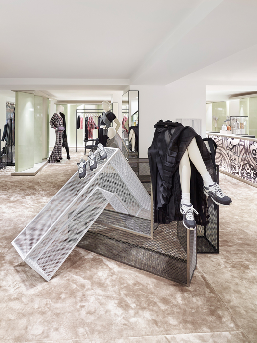 f922cd85fd Courchevel Ephemeral  Μια αλλιώτικη boutique της Chanel