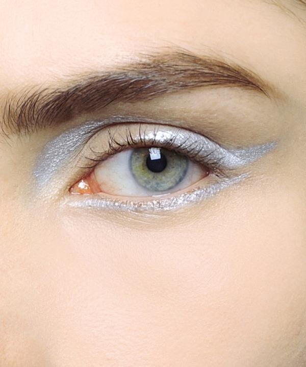 Αποτέλεσμα εικόνας για Ασημί Eyeliner:
